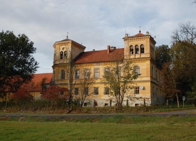 Старинный замок в Чехии за 75 000 евро