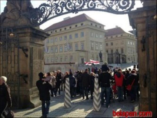 Президента Чехии призвали поддержать белорусов